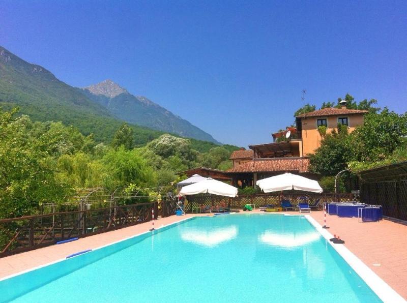 Locanda del Ponte, B&B con piscina lungo il fiume, holiday rental in Balsorano