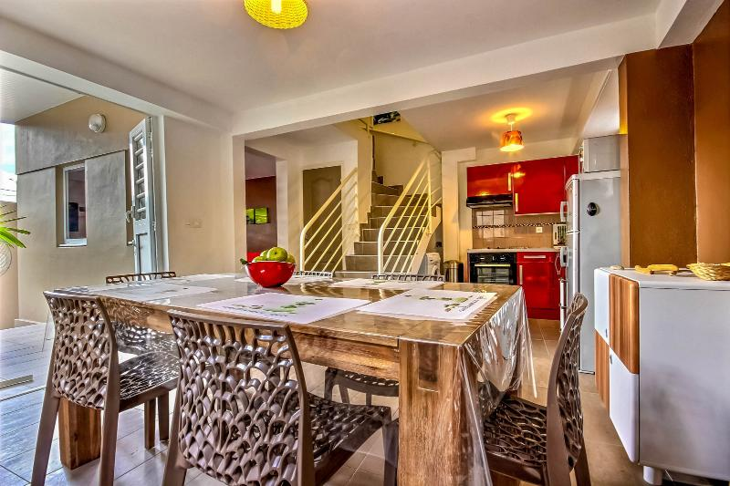 Duplex Vanille Chocolat 2 Chambres, holiday rental in Le Precheur