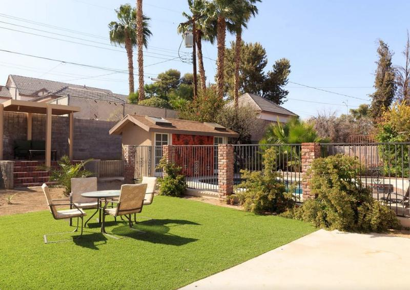 Remodeled 3BR/3BA W/ Pool in Historic Area, holiday rental in Las Vegas
