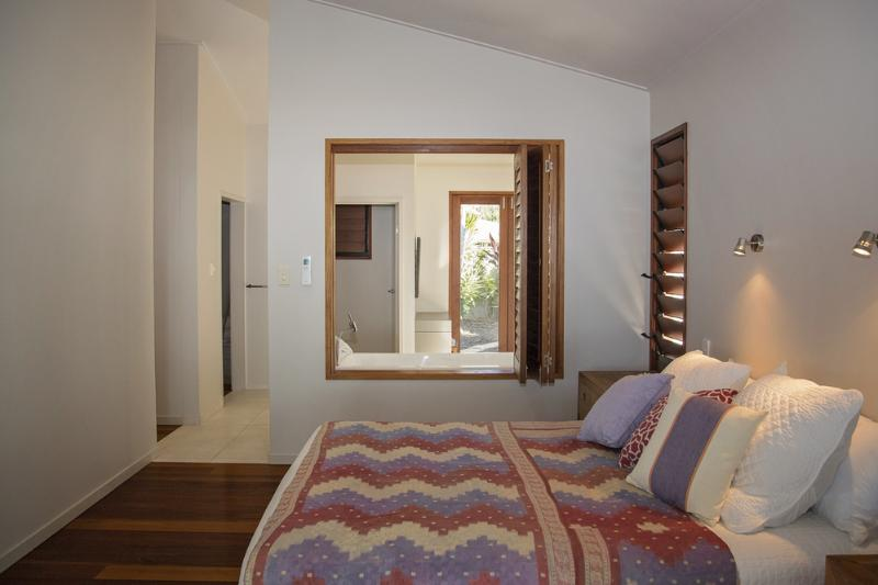 The Artist House - Main Bed to Ensuite Bathroom