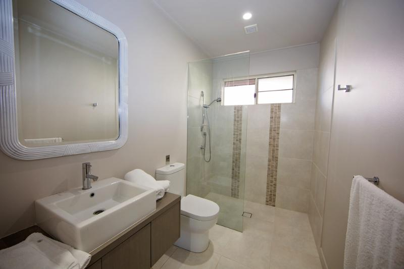 The Artist House - Main Bathroom