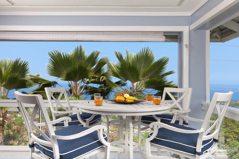 Ocean View, 5bd,sleeps12 w/12 passenger Van!, vacation rental in Kailua-Kona