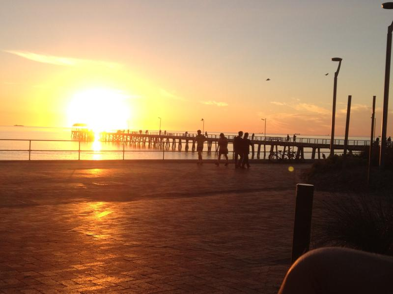 ADELAIDE SEMAPHORE  BEACH FRONT APARTMENT, holiday rental in Grange