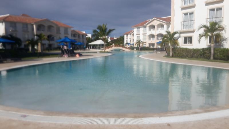 gran piscina de la aldea