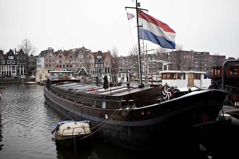 location appart Amsterdam bateau-logement élégant