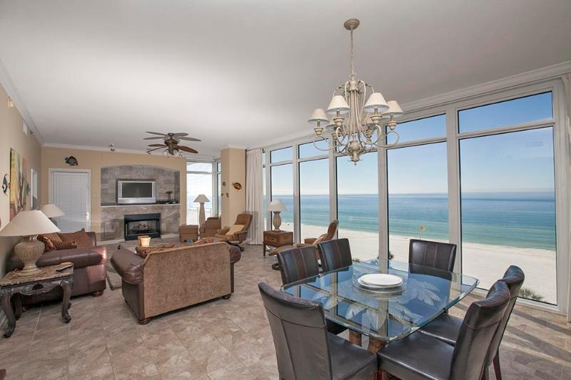 Step into Luxurious Condo w/ Incredible Views