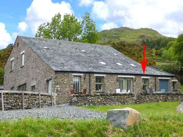 GHYLL BANK COW SHED, underfloor heating, WiFi, outdoor seating with beautiful, holiday rental in Staveley