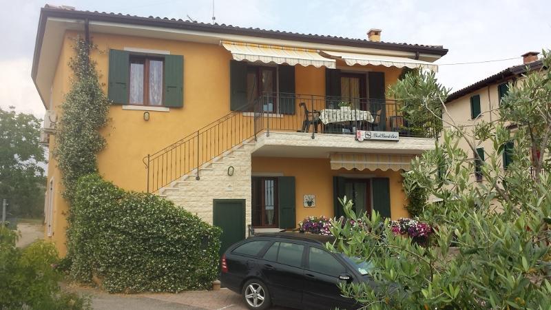BedBardolino Ferienwohnung Bardolino Gardasee - Holiday Apartment Bardolino, alquiler vacacional en Cisano