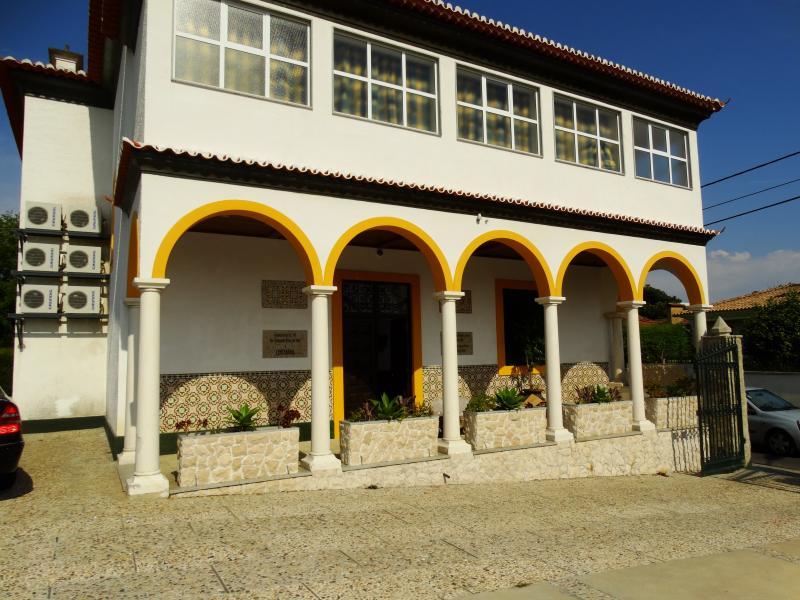 A Centenária - Quartos duplos, triplos e quádruplo, casa vacanza a Sangalhos