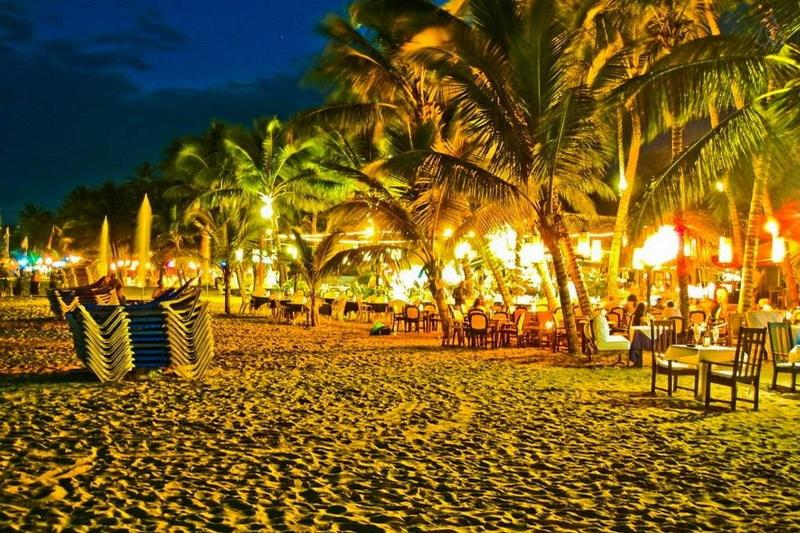 Cabarete by Night (3 Minutes walking away)