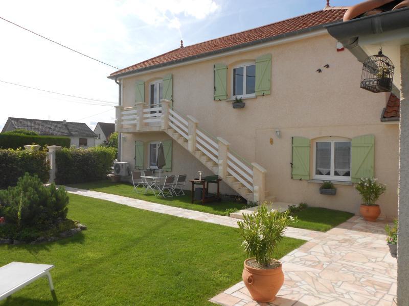 Gite la soude en champagne , petit village de 240 habitants., holiday rental in Marne