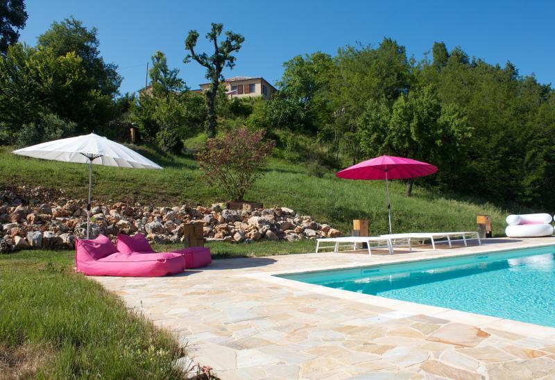 Villa NuMoViv: 3 luxury apartments & swimming pool