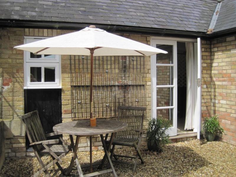 The Doghouse, Wicken, near Silverstone, Stony Stratford, Buckingham., aluguéis de temporada em Northamptonshire