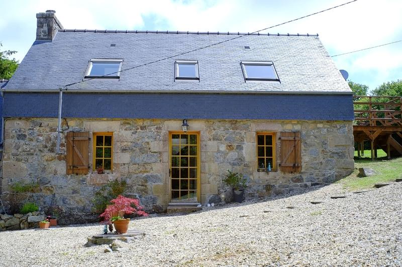 Traditional Breton longere, holiday rental in Carnoet