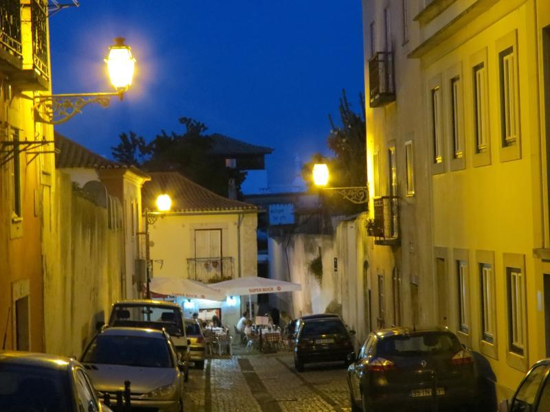 junto ao Castle Inn Lisbon