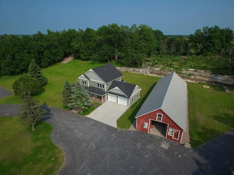 Beautiful 5 bedroom 4.5 bath home in the Thousand Islands, holiday rental in Cape Vincent
