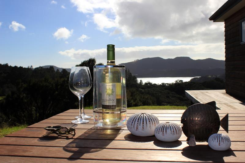 Welcome to Villa Ohakiri ! Refreshments looking to the North