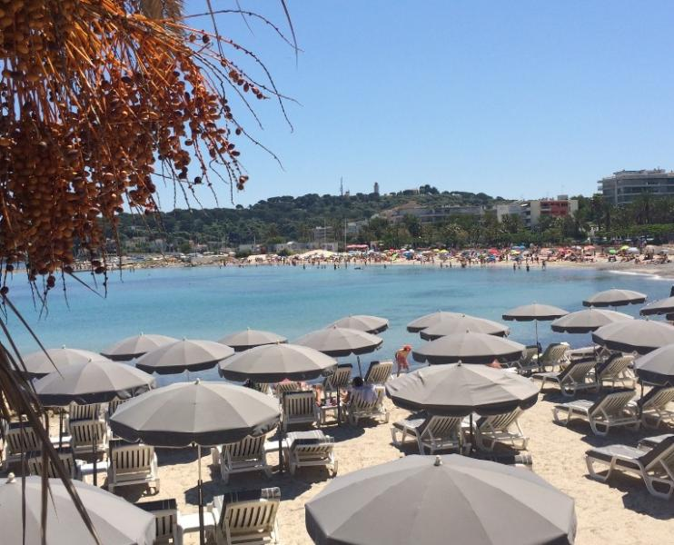 Plage de Ponteil - nearest beach is only a 5 minute walk away