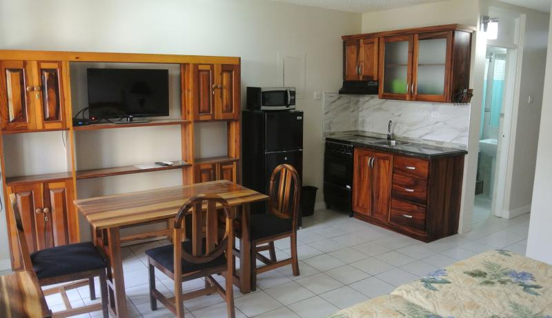 Living room, Kitchenette