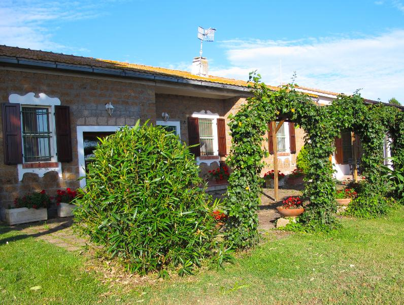 entrance-Farm house rental in the countryside near the mediterranean sea at Tarquinia, Italy.