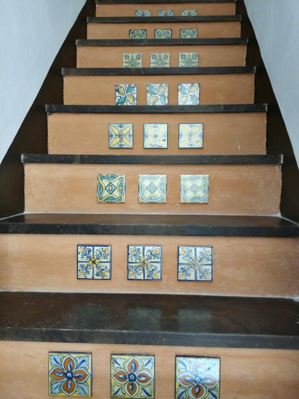 internal staircase to feature