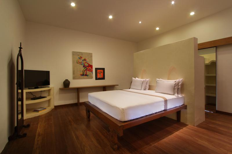 The Apartments Umalas Grand Deluxe Room, holiday rental in Kuta