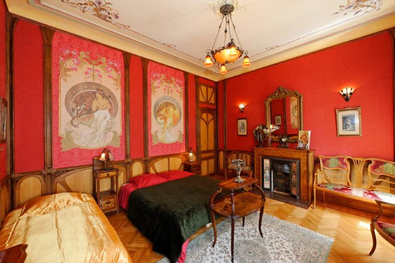 Chambre Mucha art-nouveau. Lit 160cm ou 2 à 3 lits simples de 80 à 90 cm