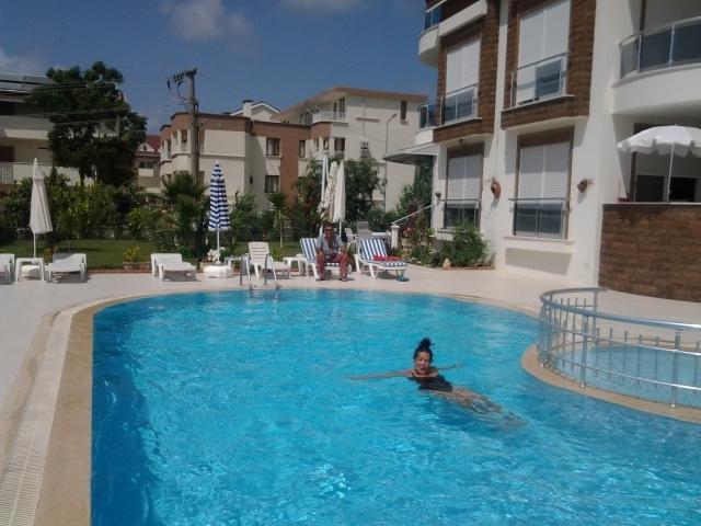 Schwimmpol vor Ferienwohnung