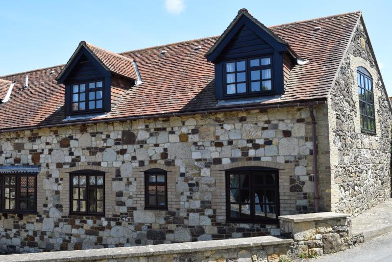 2 The Granary holiday cottage in Brighstone - - originally part of Brighstone Mill