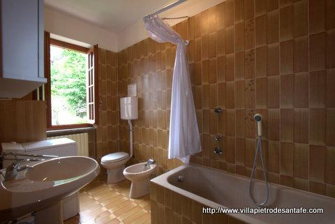 Villa has 3.5 bathrooms with  towels