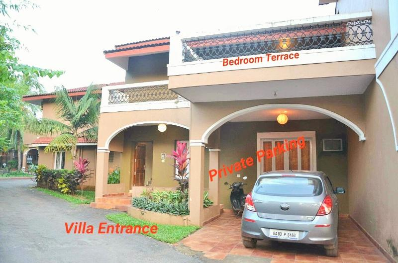 The Enterance To The Villa With Private Car Park