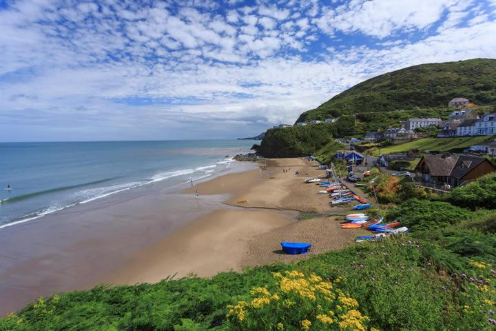Tresaith Beach 5 min walk away!