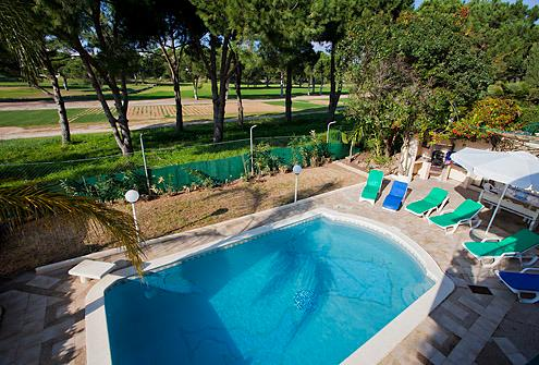 Villa With Private Pool overlooking Golf Course near to Vilamoura marina, vacation rental in Vilamoura