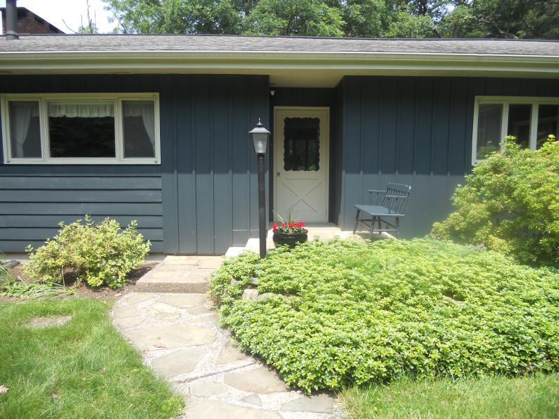 Secluded on 5 acres near Penn State!, holiday rental in Julian