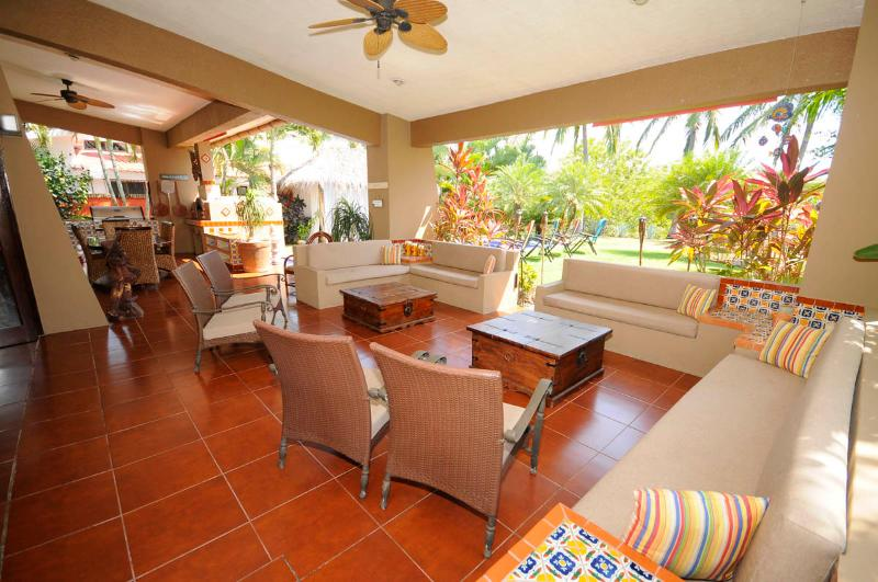 Over 1/4 acre of tropical gardens meticulously kept for you to enjoy