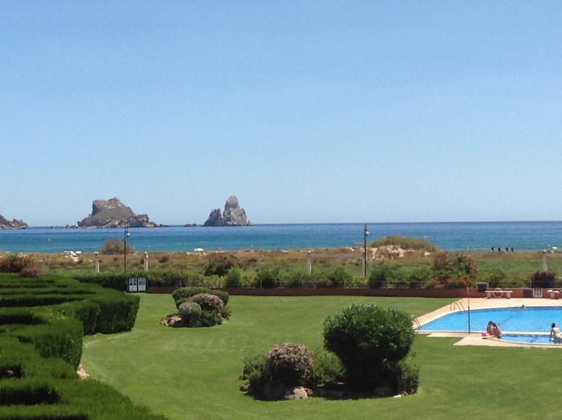 Casa con encanto a pie de playa en L'Estartit, aluguéis de temporada em L'Estartit