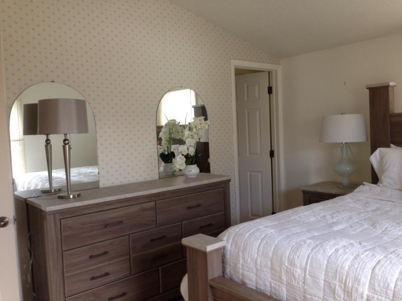 master bedroom- driftwood beachy decor