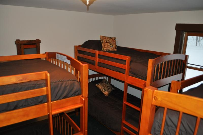 Bunk room sleeps 6 (first floor)