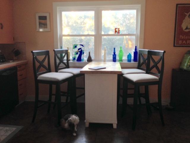 Kitchen Breakfast Area