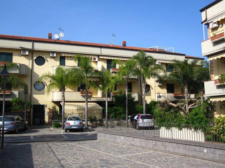 Beautiful loft by the beach, holiday rental in Mascali