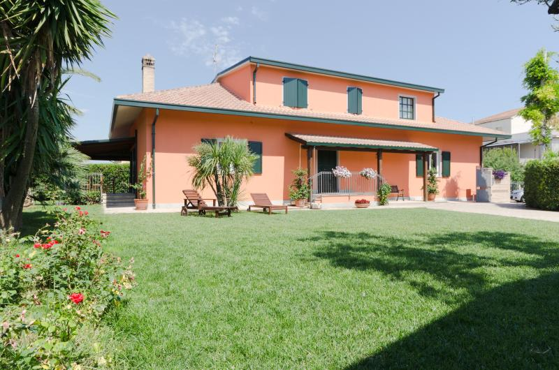 Borgo Dragani 7 ospiti, vacation rental in Ortona