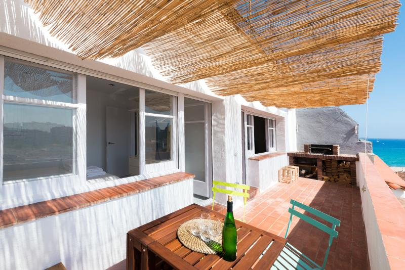 Apartamento con vistas al mar y terraza en Blanes, vacation rental in Blanes