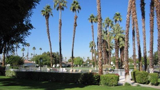 DUR66 - Rancho Las Palmas Country Club - 2 BDRM + DEN, 2 BA, alquiler de vacaciones en Rancho Mirage