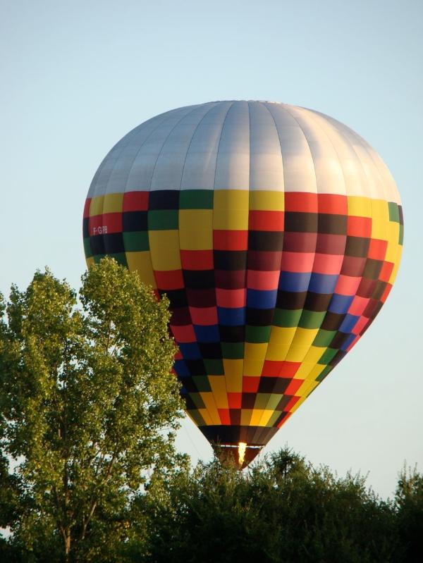 Air-balloon trips starting from the villa gardens