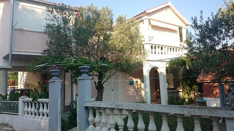 Authentic Mediterranean atmosphere, holiday rental in Rogoznica