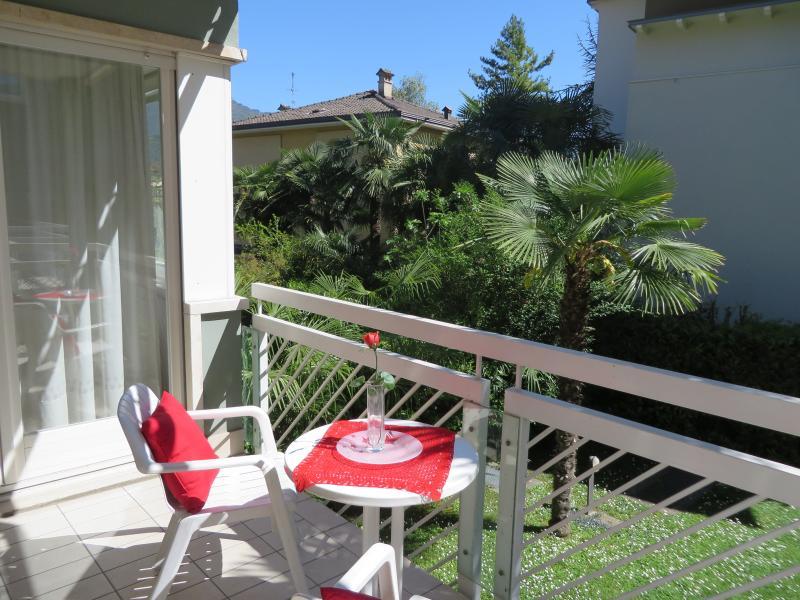 Prestige Apartment in the center in green, holiday rental in Varone