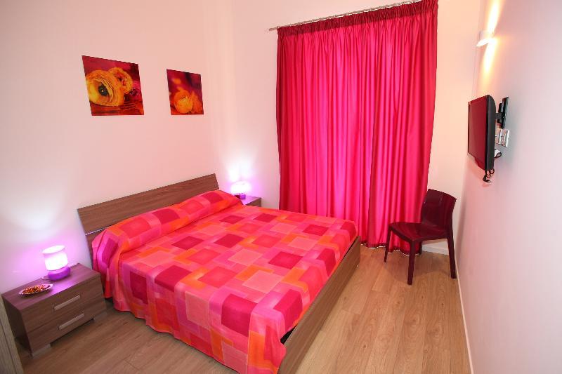 Camera Ramondetti-Fileti: bagno privato in camera e balcone