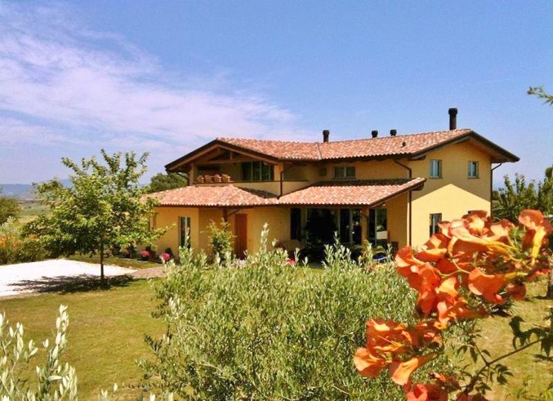 Fascinating Radici Melograno - Panorama  ad Est - Umbria, location de vacances à Mercatello