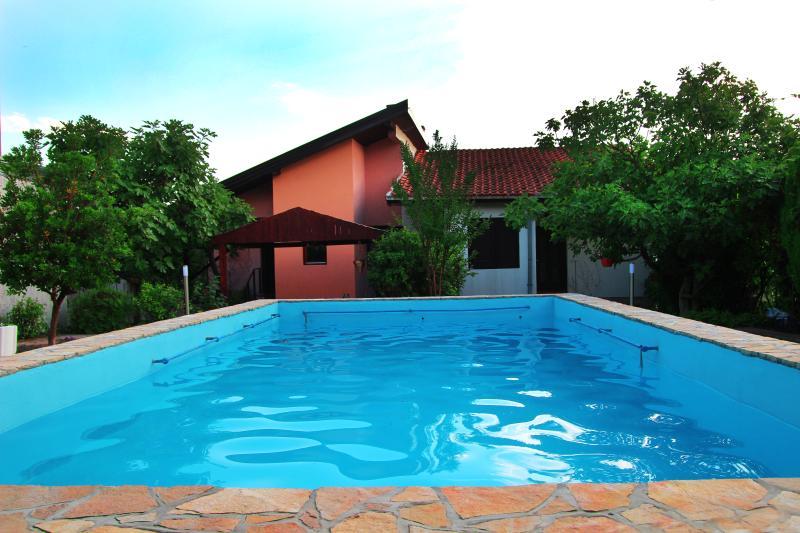 Villa 'Sana'Charming Apartments (Ap. Sunshine), location de vacances à Mostar