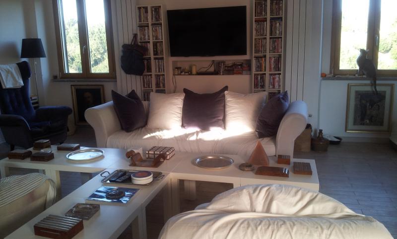 Lussuoso appartamento a Roma (Sutri), holiday rental in Sutri